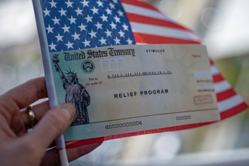 Second stimulus checks: Economists urge new round of $1,200 payments to Americans
