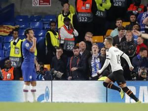 Valencia beats Chelsea 1-0 in their Champions League opener