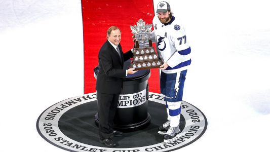 Lightning's Victor Hedman edges teammate Brayden Point for 2020 Conn Smythe Trophy