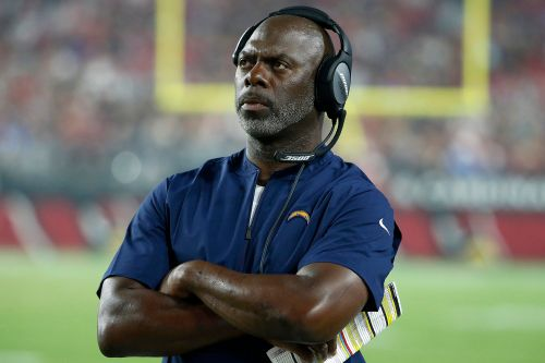 'Hard Knocks' opens with Chargers' Anthony Lynn revealing he had COVID-19