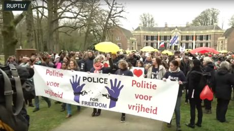 WATCH: As anti-lockdown protests grow, Dutch 'POLICE FOR FREEDOM' group holds march against Covid restrictions