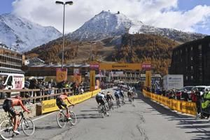 Hindley and Hart tied for Giro lead entering final stage