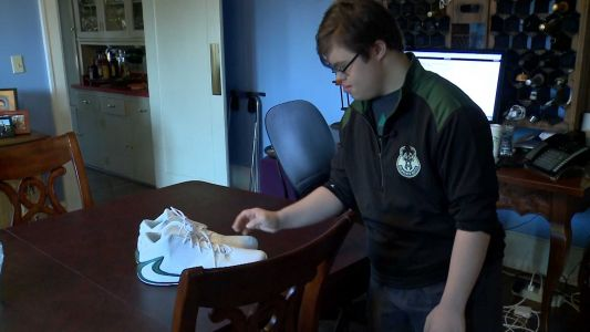 CAUGHT ON CAM: NBA star gives shoes to 17-year-old fan