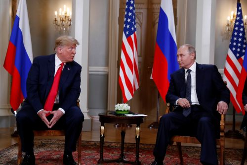 Putin kept Trump waiting before summit