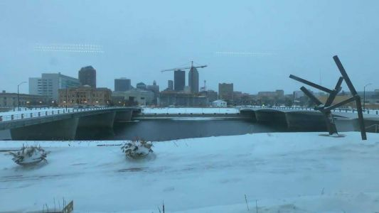 WATCH: Time-lapse video shows record snow falling in Des Moines