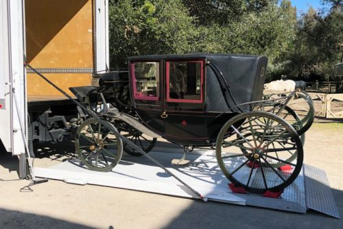 Historic Stanford family carriage returns to campus