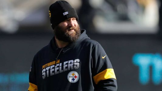 Steelers share video of QB Ben Roethlisberger throwing football