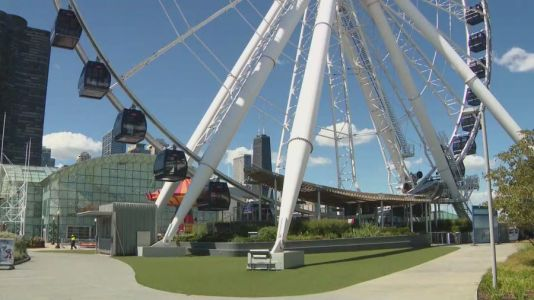 Navy Pier holding job fair Monday ahead of Spring reopening