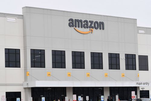 'He's not smart': Leaked memo reveals Amazon's plans to smear fired warehouse worker