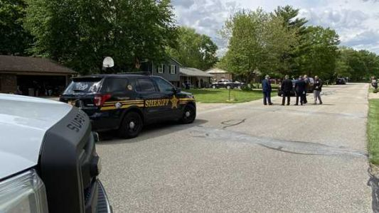 Sheriff: Detective shoots armed man while serving warrant in Ross Township