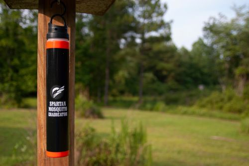 Ticked-off NYC man claims mosquito 'eradicator' doesn't fly: lawsuit
