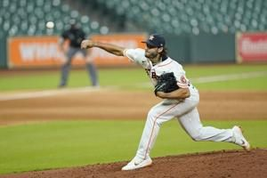 Astros' McCullers no-hit bid broken up in 7th against Giants