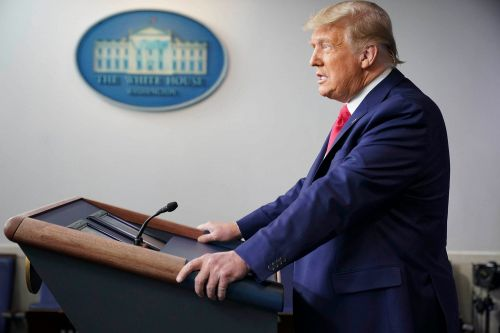 Trump lauds Dow Jones passing 30,000 in short White House briefing