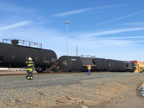 5 train cars derailed in Sacramento County, officials say