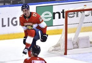 Bobrovsky makes 29 saves as Panthers stay undefeated