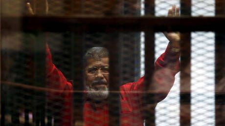 Former Egyptian president Mohamed Morsi dies 'in court' - state TV