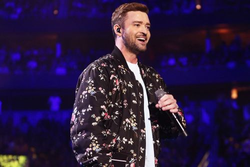 Justin Timberlake visits patients at Texas children's hospital