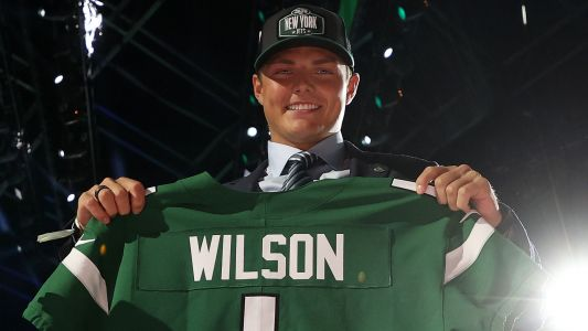 Jets RB Michael Carter has hot take on teammate Zach Wilson: 'He deserved to be the No. 1 pick'
