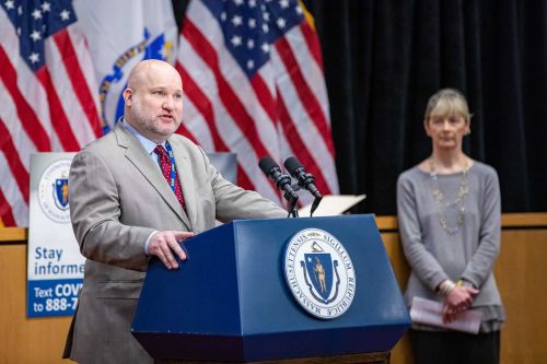 Board gives commissioner power to force schools to reopen