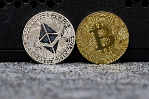 The Brex credit cards just launched the first-ever cryptocurrency rewards for business owners, offering up to 8x in Bitcoin and Ethereum