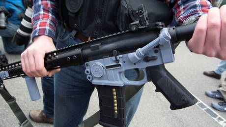 Spanish police raid illegal 3D-printed weapons workshop capable of producing a gun barrel IN MINUTES