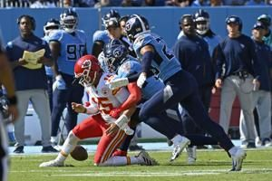 Mahomes, Chiefs struggling with significant turnover problem