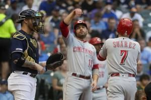 Suárez homers again, leads Reds overt Brewers 14-6