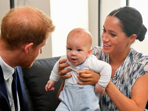 If Harry and Meghan split their time between the UK and Canada, here's how raising Archie could change