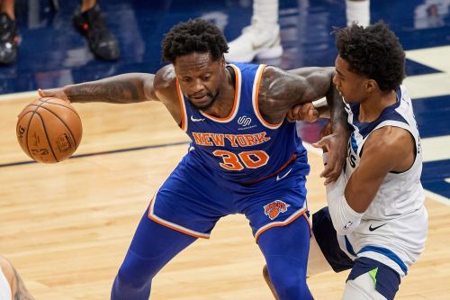 Knicks taking chance by breaking uniform superstition
