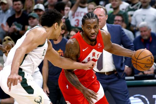 Kawhi Leonard pours in 35 as Raptors nip Bucks to take series lead