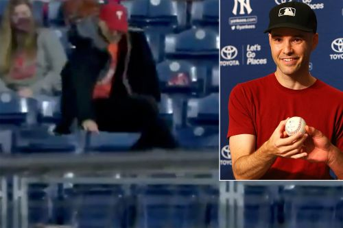 Infamous MLB ballhawk Zack Hample 'eats it' chasing home run
