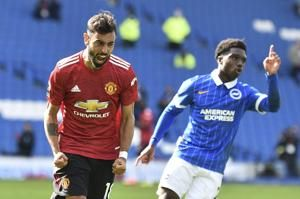 Fernandes' late penalty earns Man United 3-2 win at Brighton