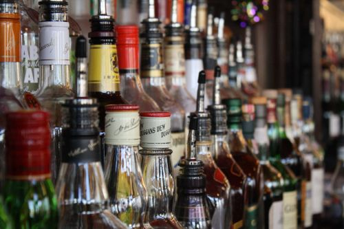 Waived liquor license fees bill heads to governor's desk