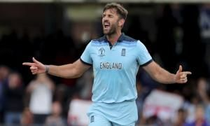 The Latest: England 39-1 after 10 overs, Roy out for 17