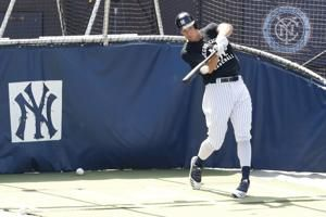 Judge returns from stiff neck, HRs with Stanton off Paxton