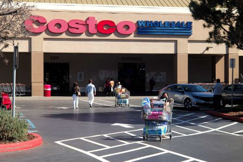 Costco raises minimum wage above its competitors