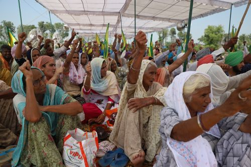 India's Farmers Come out in Force Against Modi