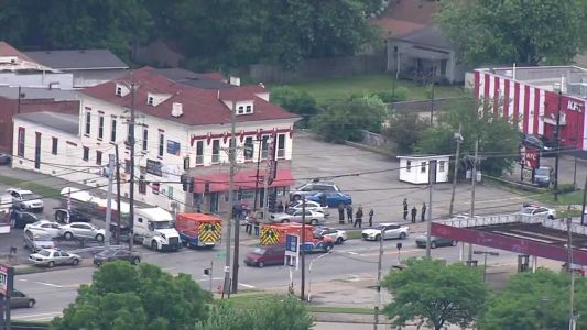 Police investigate shooting at liquor store in Taylor Berry neighborhood