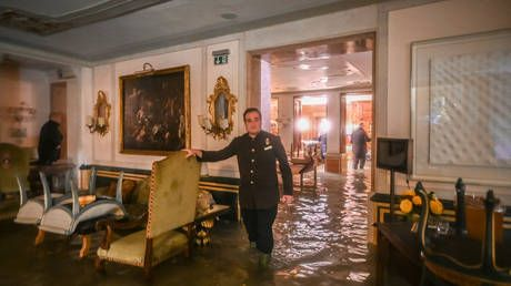 Flooding will 'leave an indelible wound' on Venice as city battles 2nd highest tide in history