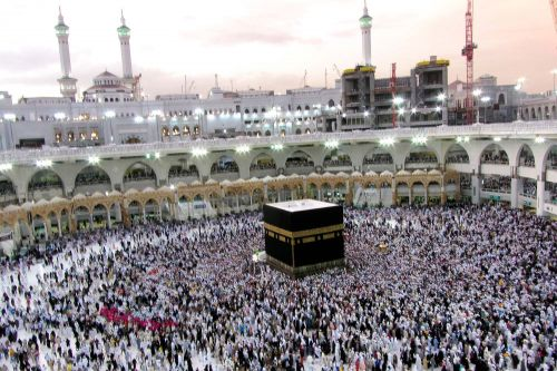 Saudi Arabia, citing pandemic, bans foreigners from hajj for 2nd year