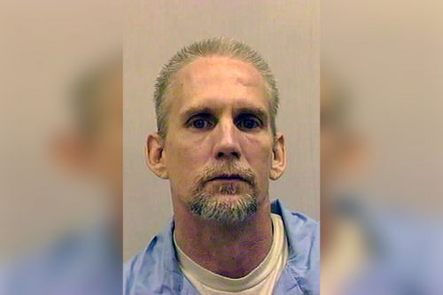 One hour hold is placed on second federal execution this week