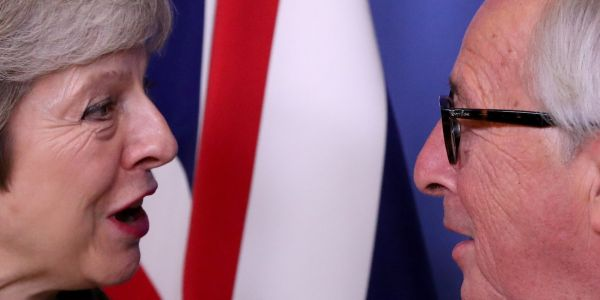 No-confidence vote looms over May's cabinet as PM makes last-ditch Brexit appeal