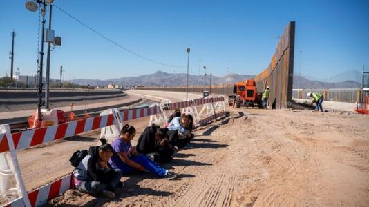 Pentagon Authorizes $1 Billion For Fence Construction At Mexico Border