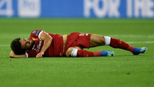 Champions League 2018 final: Liverpool's Mohamed Salah injured early vs. Real Madrid