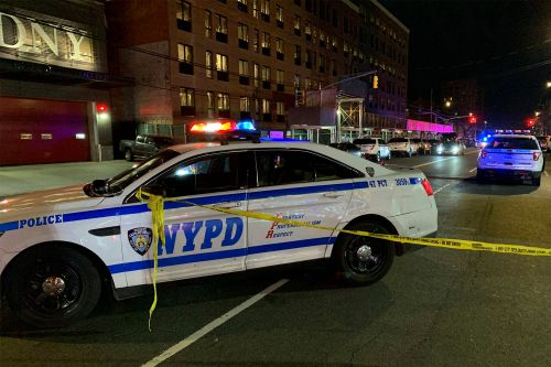 Police shoot, critically injure NYC stabbing suspect