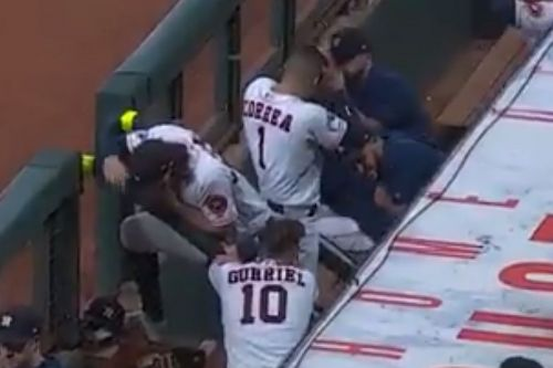 Astros security guard hit with foul ball in scary ALCS scene
