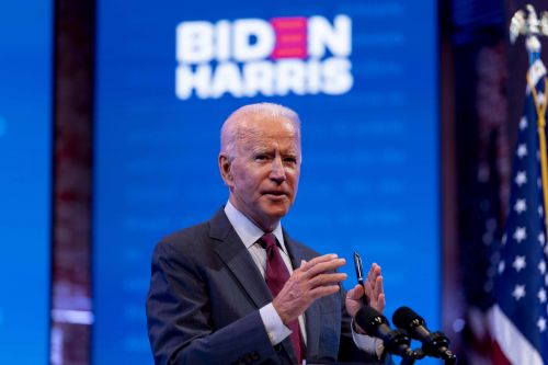 Polls: Biden slightly ahead in Florida and North Carolina
