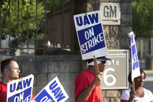 White House intervenes in General Motors strike