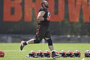 Beckham back, Clowney on field for first time at Browns camp