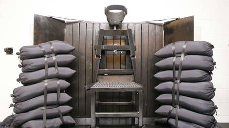 American death row inmates face grizzly choice.die by electric chair or FIRING SQUAD